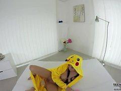 VR Pokemon teen Nicole sexleksaker sitt vackra fittor