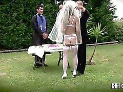 Großen Titten portugiesische Braut wird hart gefickt