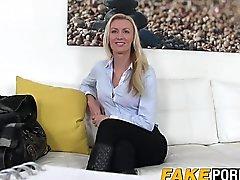 Bedövning blond Anastasia sker gjutning medel en hård kuk