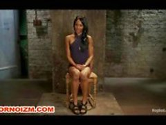 Lesbische BDSM Interacial Slave Caned in Bondage
