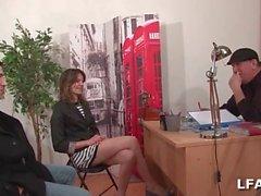Brunette baisee lors d un casting