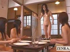 Bir çıplaklar Japon Futanari dickgirl köyün içine Tepe