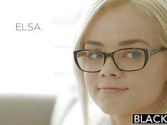 Verdunkelten Elsa Jean Takes Ihre erste der BBC