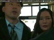 Bottenlösa japansk sjuksköterska sextyninus blowjob offentligt