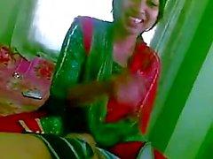 Индийской колледж подросток Sex страстных поцелуев со своим бойфрендом Домашней MMS