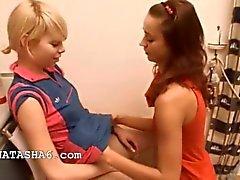 Наталья и Элис любят любящий девушки