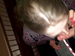 Brandi Eve, Hotel Merdiven boşluğundaki horozu emme!