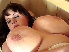 Bonita BBW Likes Sauna Sexo