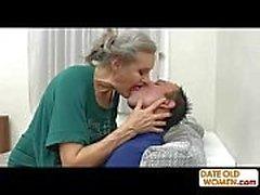 Les cheveux gris vieux putain de grand-mère