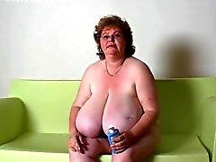 BBW Granny Massage stora bröst