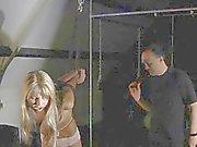 disciplina dolorosa per asino giovane della ragazza battendosi hard cazzo vibratore