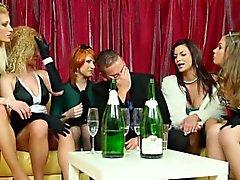 Festa pissa med orgier tjejer pussyfucked