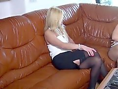 Kinky Blonde babe européenne
