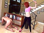 Di due giovani amanti rompono Slave dall'effetto frusta dei