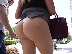 Big Ass Julianna Vega baisée par la piscine