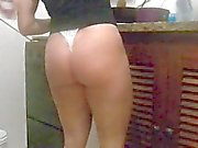 Wife Bel de Thong Ass
