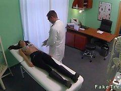 Esmer ofisinde casus kam üzerinde doktorun becerdin