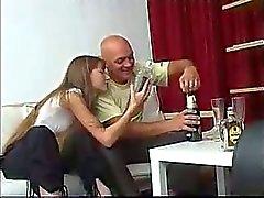 Flaco Amateur Teen Rusia se embriaga