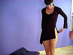 Amarrado para a escolha do vestido