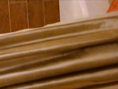 Spione my mom fingersättnings på badet