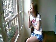 Beata chick väntar hennes pojkvän