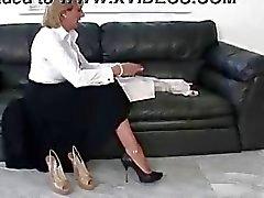 Mujeres Dominantes maduros del zapato británico posar desnuda