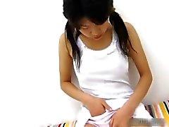 Adolescente japonesa tesão se masturbando vídeo