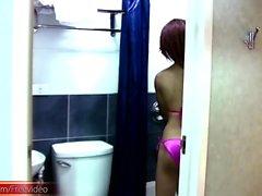pembe bikini Asya TS duş genç kız horoz vuruş