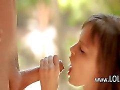 Vay rüya kız büyük horoz outdoor yemek