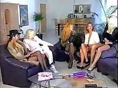 Fünf letzten girls playing sowie Fisting