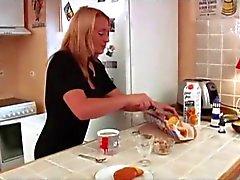 Ingrid recrute Un homme de ménage