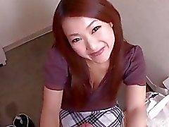 Marin Koyanagi behandelt Schwänze Pornoszenen an zerschlagen