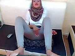Arabian Schlampe MASTURBATING gekleidet On Cam