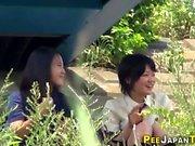 adolescente giapponese babes pipì