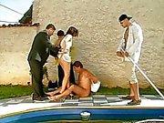 Courtage bord de piscine partouzer par les acheteurs
