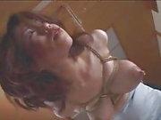 seins laiteux BDSM