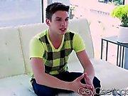 GayCastings Симпатичные Твинк хочет денег чтобы сосать