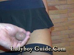 Asya Hotel'de dövmeli Ladyboy Wanks