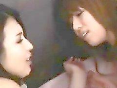 Японской лесбиянок колготках