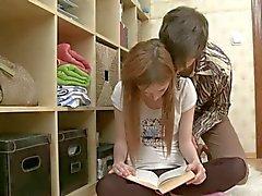 Russischer Kerl ermöglicht erneut traurig russischen Mädchen glücklich