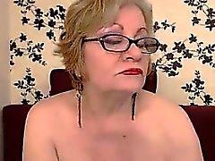 Fat And Große Brüste der Großmutter