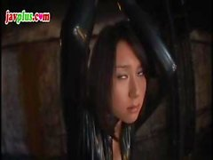 Cagna sottomissione asiatica si fà impiccato e torturato in il suo twat peloso