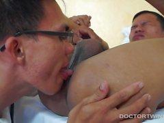 Kinky Медицина фетиш Азиатский оргия
