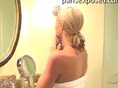 Paris Hiltons , die ein Bad