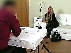 Sexy cum diretta pornostar nella della bocca rondine