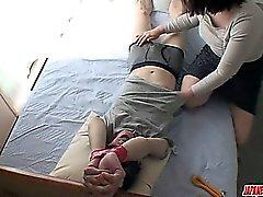 Hana - tupakanhimoa ja omituinen MILF vääristellä Ricassa Shibuki leikkinyt sekä munaa kovan