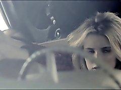01.06 - sborra Tributo su Emma Roberts