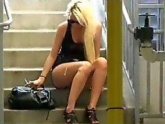 Beinen Spritzen In Die Muschi im öffentlichen ( träumen )