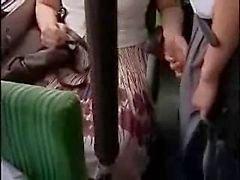 Impertinente em ônibus
