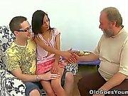 Es gibt nichts wie das Gehen bei auf dem Frau immer ein alter Mann gefickt!